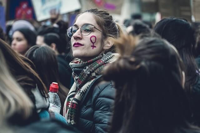Jak odbiera się kobietom głos